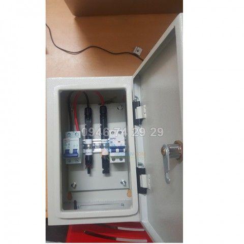Tủ đấu nội hệ thống điện mặt trới 3kw ( CB DC + AC + cầu chì )