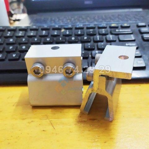 Kẹp sóng tôn Cliplock tấm pin mặt trời